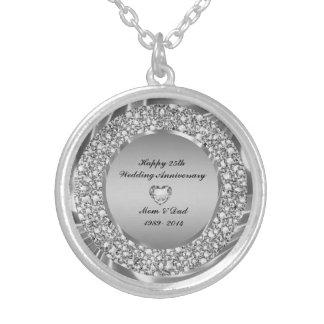 Diamantes y 25to aniversario de boda de la plata colgante redondo