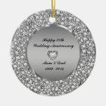 Diamantes y 25to aniversario de boda de la plata ornamente de reyes