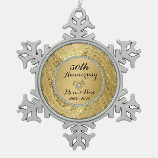 Diamantes y aniversario de boda del oro 50.o adorno de peltre en forma de copo de nieve