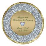 Diamantes y aniversario de boda del oro 50.o platos de comidas