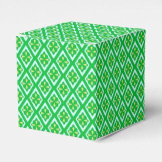 Diamond pattern - emerald green and aqua party favor box