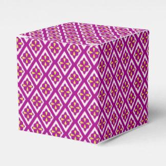 Diamond pattern - plum purple and pink favor boxes
