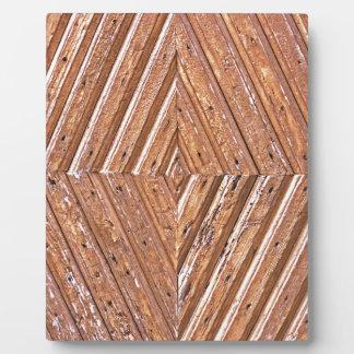 Diamond texture plaque