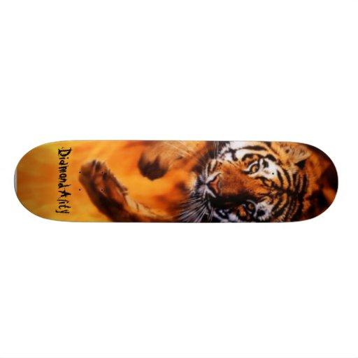 Diamondality Flaming tiger skateboard