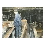 Diapositiva de linterna mágica de los trabajadores tarjeta postal