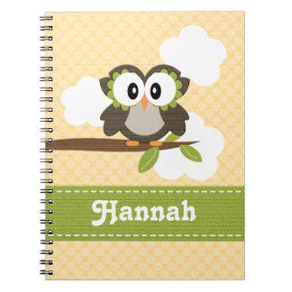 Diario amarillo del cuaderno espiral del búho