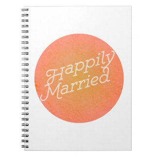 Diario feliz casado de los pares del cuaderno de