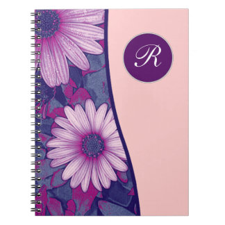 Diario floral del cuaderno del monograma