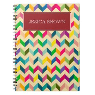 Diario personal de Chevron del zigzag retro Spiral Notebooks