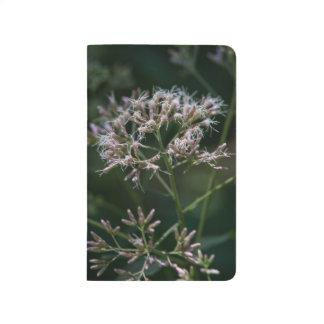 Diario púrpura del bolsillo del Wildflower de la Cuaderno
