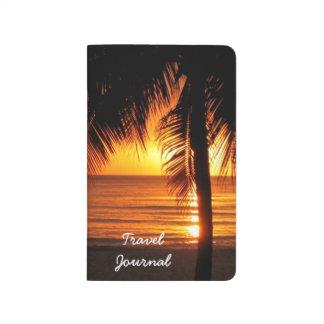 Diario tropical del viaje de la puesta del sol de  cuaderno