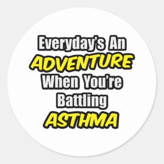 Diario un asma de la aventura… pegatina redonda