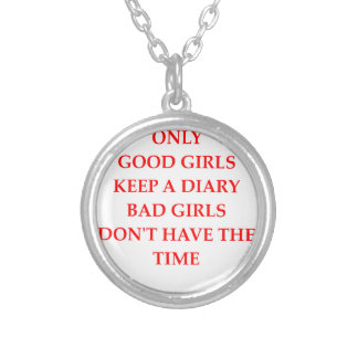 DIARY ROUND PENDANT NECKLACE