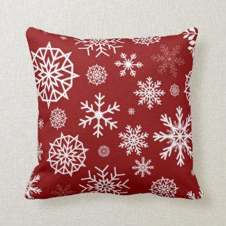 Días de fiesta blancos rojos del navidad del copo cojín decorativo