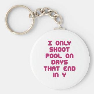 Días de PoolChick Llavero Redondo Tipo Pin