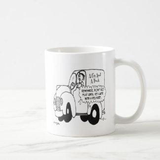 Dibujo animado 4770 del camión taza básica blanca