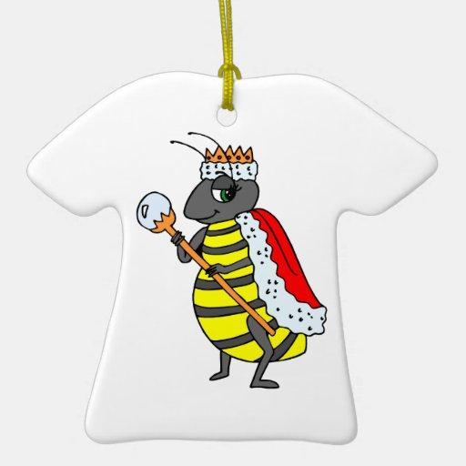Dibujo animado adorable de la abeja reina adorno navideño de cerámica en forma de playera