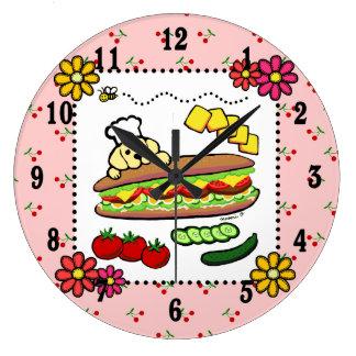 Dibujo animado amarillo de la panadería de Labrado Reloj Redondo Grande