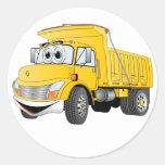 Dibujo animado amarillo del árbol del camión pegatina redonda