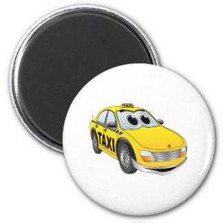 Dibujo animado amarillo del taxi imán redondo 5 cm