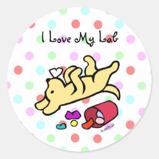Dibujo animado amarillo divertido de Labrador Pegatina Redonda