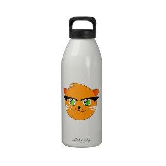 Dibujo animado anaranjado de la cabeza del gato botellas de beber