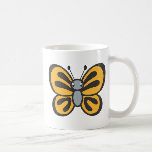 Dibujo animado anaranjado de la mariposa taza básica blanca