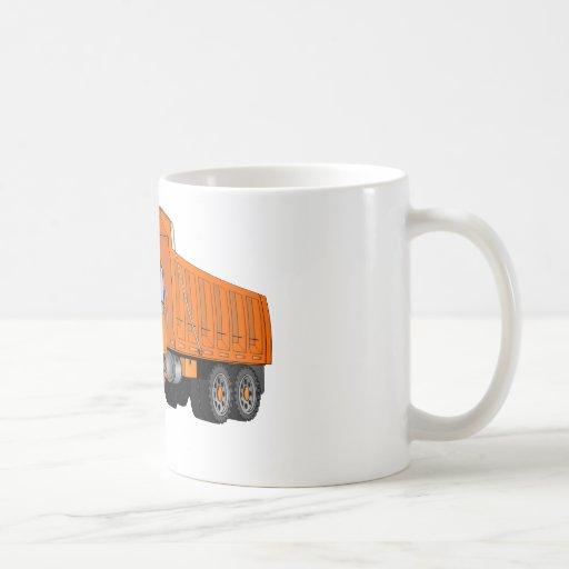 Dibujo animado anaranjado del camión volquete tazas de café