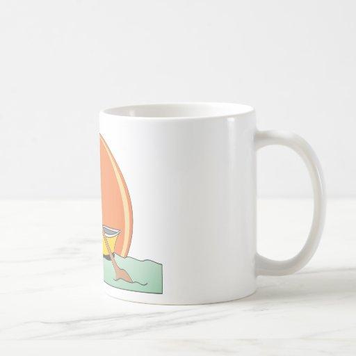 Dibujo animado blanco del barco de fila tazas de café