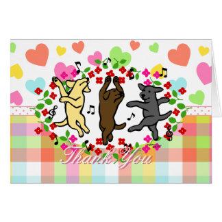 Dibujo animado de baile feliz del trío de Labrador Tarjeta