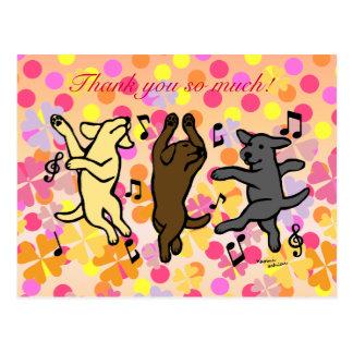 Dibujo animado de baile feliz del trío de Labrador Tarjeta Postal