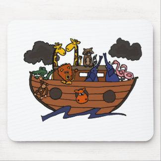 Dibujo animado de la arca de Noah divertido Alfombrilla De Ratón