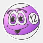 Dibujo animado de la bola de piscina doce pegatinas redondas