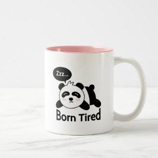 Dibujo animado de la panda linda el dormir taza de dos tonos