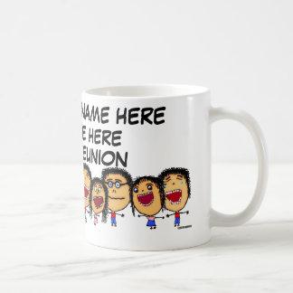 Dibujo animado de la reunión de familia taza de café