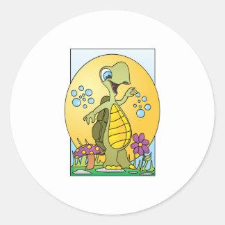 Dibujo animado de la tortuga etiqueta redonda