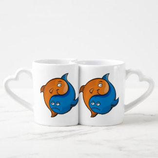 Dibujo animado de los pescados de Yin Yang Tazas Para Enamorados