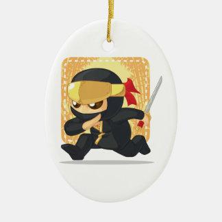 Dibujo animado de Ninja que sostiene la espada Ornamentos De Reyes Magos