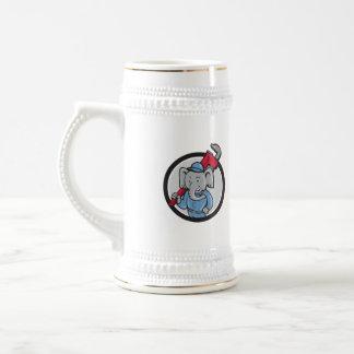 Dibujo animado del círculo de la llave inglesa del jarra de cerveza
