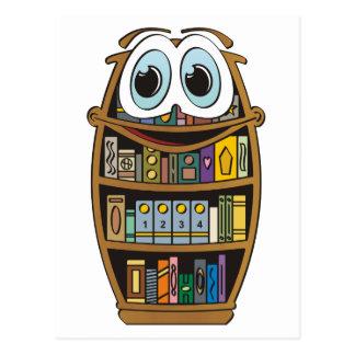 Dibujo animado del estante para libros postales
