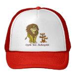 Dibujo animado del león y del gatito gorra