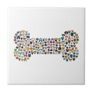 Dibujo animado del perro del HUESO Azulejo Cuadrado Pequeño