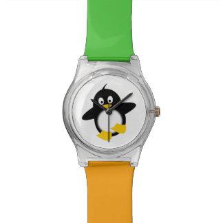 Dibujo animado del pingüino del bebé reloj