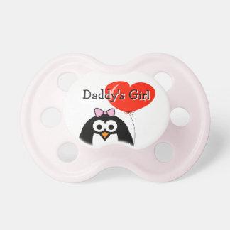 Dibujo animado del pingüino del chica del papá con