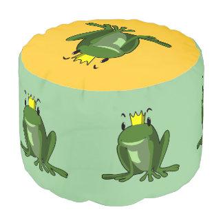 Dibujo animado del príncipe de la rana puf redondo