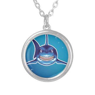 Dibujo animado del tiburón colgante redondo