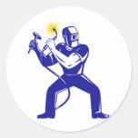 dibujo animado del trabajador de la soldadura del etiquetas redondas