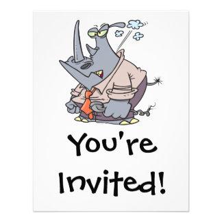dibujo animado divertido cocido al vapor del rinoc invitacion personalizada