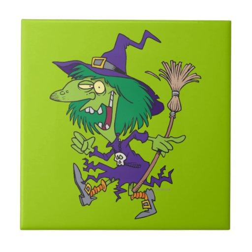 dibujo animado divertido de Halloween de la bruja  Azulejo