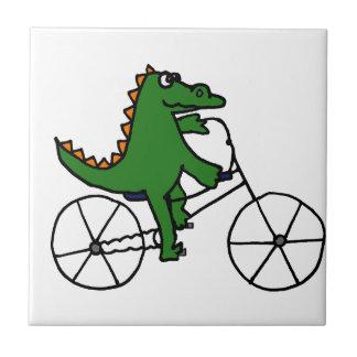 Dibujo animado divertido de la bicicleta del monta azulejo cuadrado pequeño